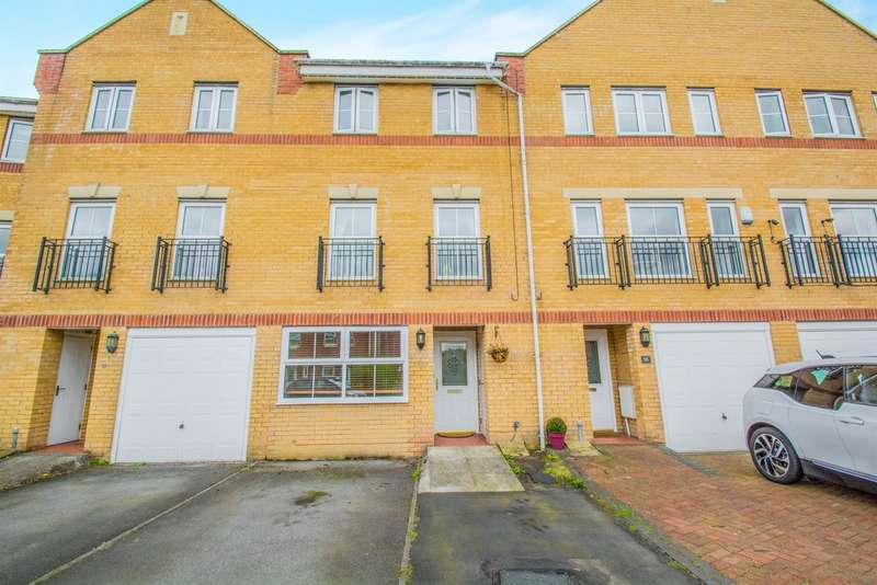 3 Bedrooms Town House for sale in Armoury Drive, Cardiff