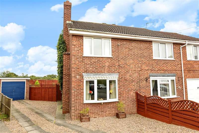2 Bedrooms Semi Detached House for sale in Wold Road, Pocklington, York, YO42 2QG