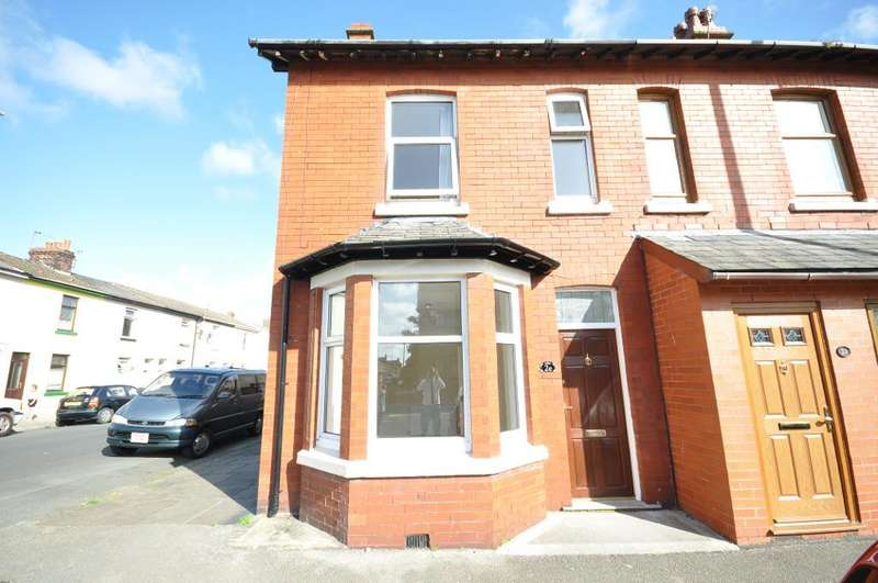 3 Bedrooms End Of Terrace House for sale in North Church Street, Fleetwood, Lancashire, FY7 6EH