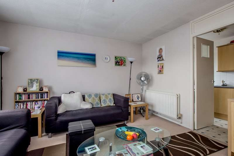1 Bedroom Flat for sale in Maldon Road, Wallington, Surrey, SM6