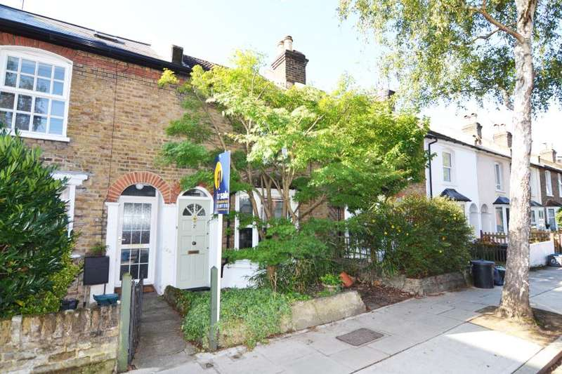 3 Bedrooms Terraced House for sale in Fulwell Road, Teddington, TW11