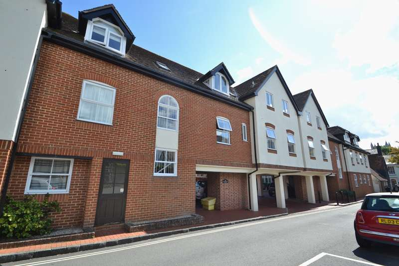 1 Bedroom Flat for sale in Wimborne