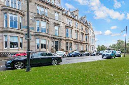 3 Bedrooms Flat for sale in Park Terrace, Park