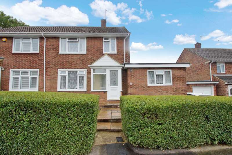3 Bedrooms Semi Detached House for sale in Newlands Road, Chaulden, Hemel Hempstead