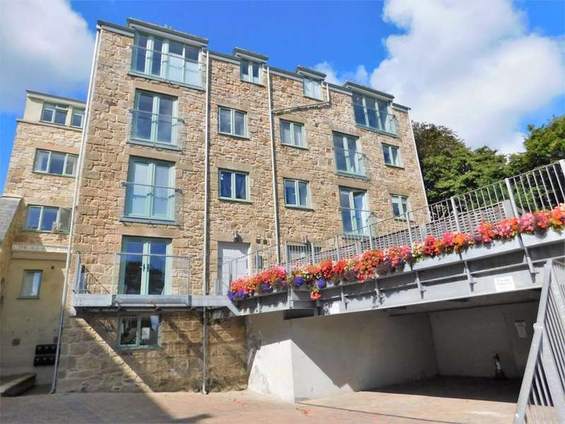 2 Bedrooms Flat for sale in Sunday School Court, Bedford Road, St Ives