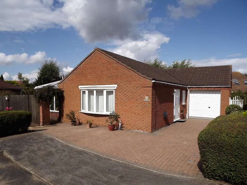 2 Bedrooms Bungalow for sale in Clinton Way, Woodhall Spa, LN10 6QW