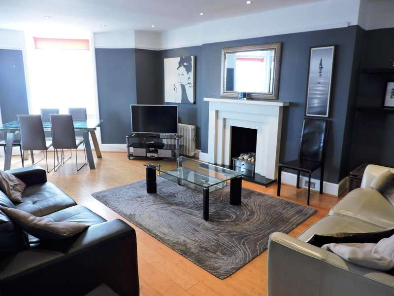 3 Bedrooms Flat for rent in Marine Parade, Brighton