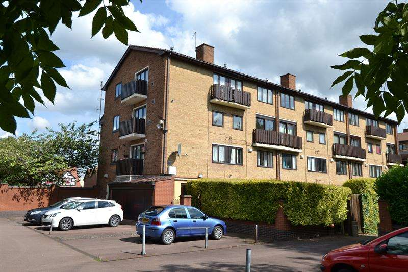 Studio Flat for sale in Bristol Road South, Rednal, Birmingham