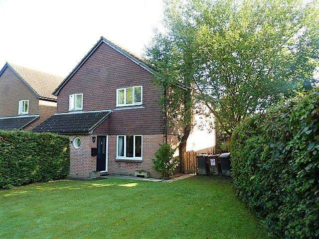 4 Bedrooms Detached House for sale in Little London Road, Cross in Hand, East Sussex, TN21 0LT