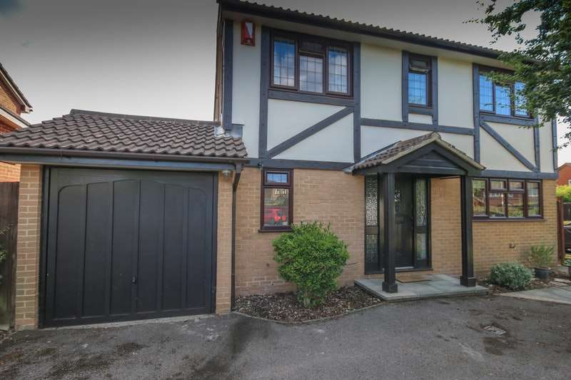 4 Bedrooms Detached House for sale in Ambleside way, Egham, Surrey, TW20