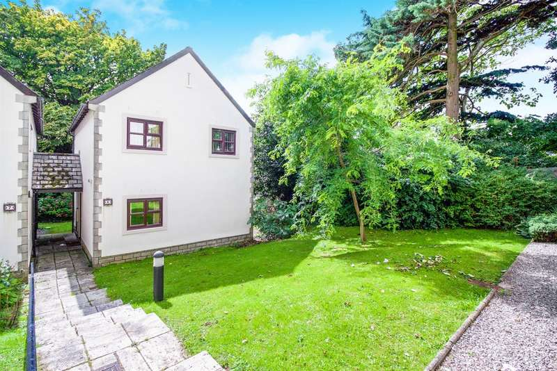 2 Bedrooms Detached House for sale in Restway Gardens, Bridgend