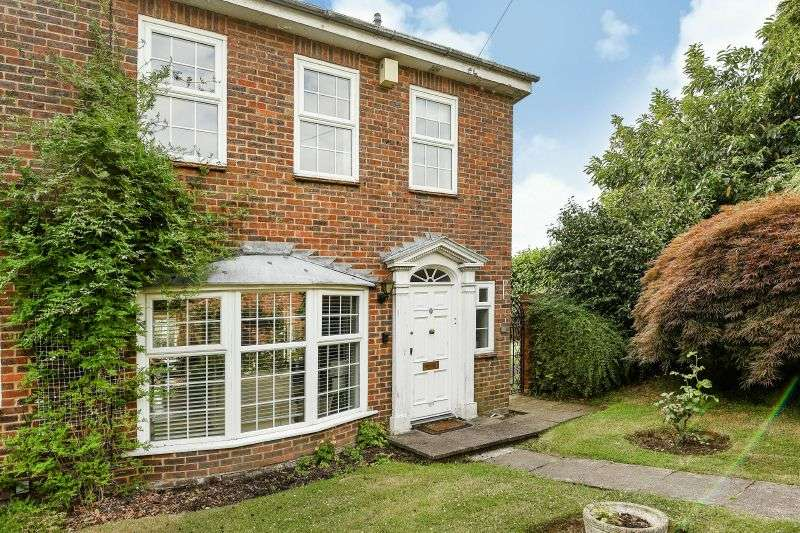 3 Bedrooms End Of Terrace House for sale in Rising Hill Close, Northwood