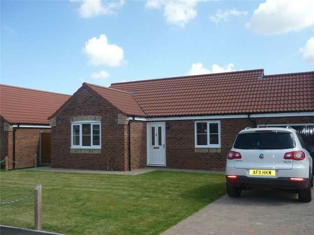 2 Bedrooms Detached Bungalow for rent in 23 Salmons Way, Fakenham