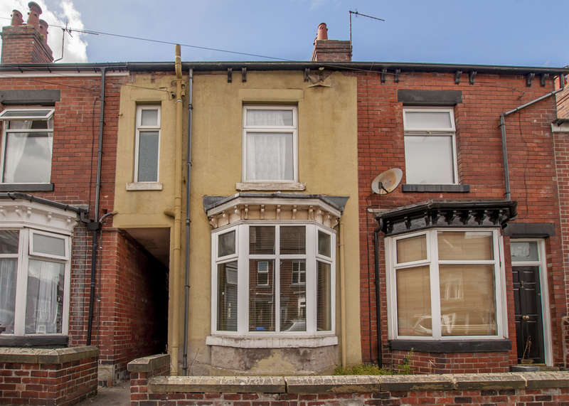 3 Bedrooms Terraced House for sale in 152 Blair Athol Road, Banner Cross, S11 7GD