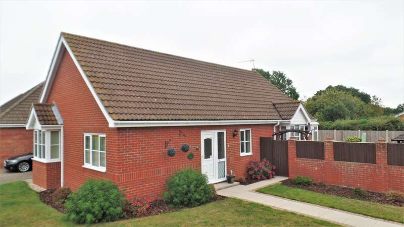 3 Bedrooms Detached Bungalow for sale in Feverills Road, Little Clacton