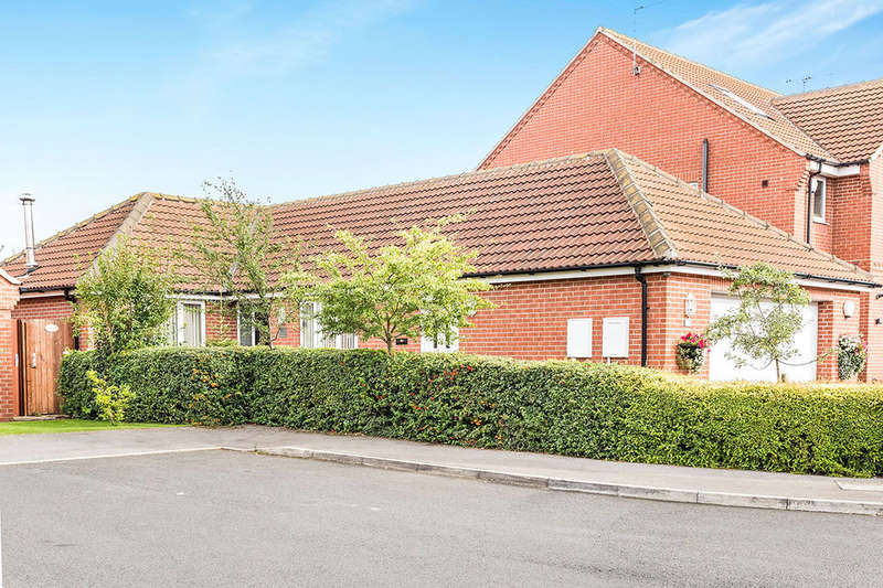 3 Bedrooms Detached Bungalow for sale in Westerdale Road, Scawsby, Doncaster, DN5
