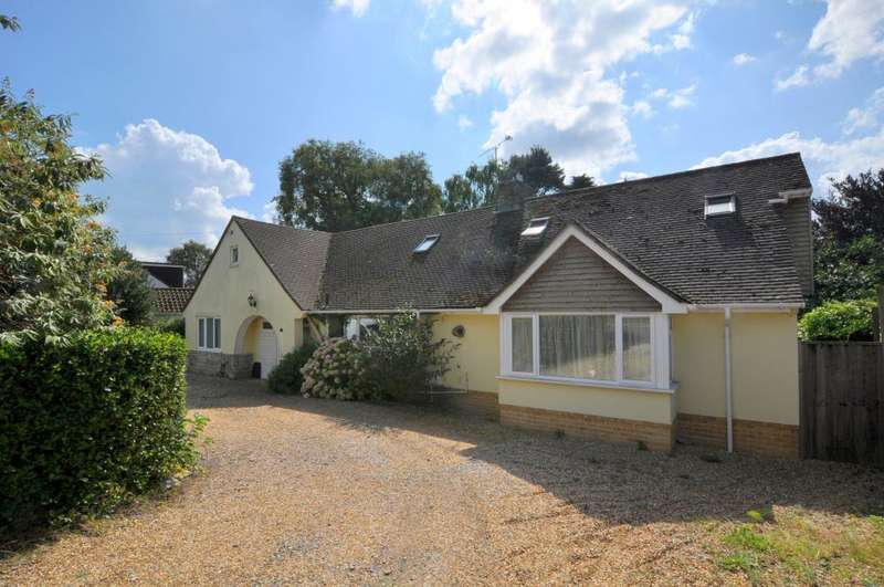 5 Bedrooms Detached Bungalow for sale in Oaks Drive, St Leonards, Ringwood, BH24 2QP
