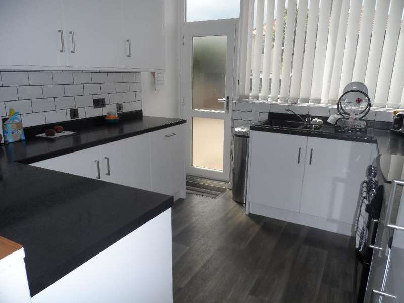 4 Bedrooms Property for sale in 7 , Thornton-Cleveleys, FY5 1DQ