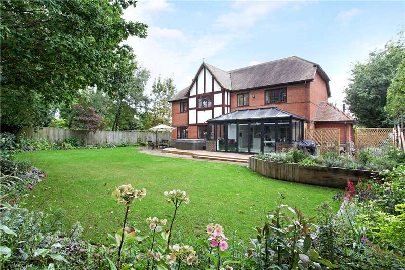 5 Bedrooms Detached House for sale in Chequers Lane, Eversley, Hook, RG27
