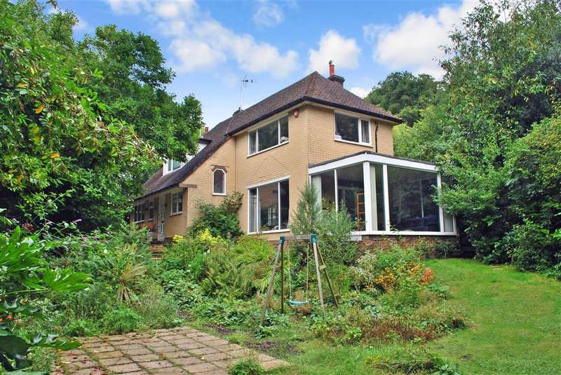 5 Bedrooms Detached House for sale in Lewes Road, Ashurst Wood, West Sussex