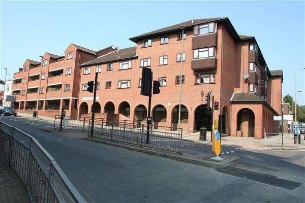 1 Bedroom Apartment Flat for sale in Ferrydale Lodge, Church Road, Nw4, Hendon