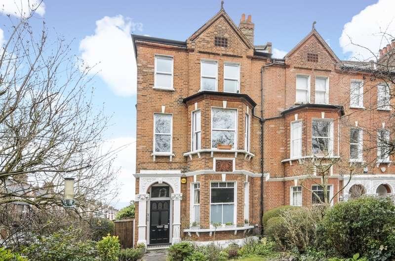 Flat for sale in Larkhall Rise, Battersea, SW4