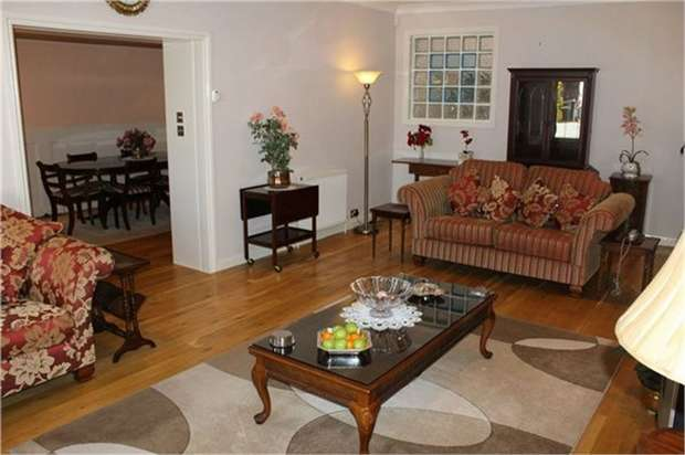 3 Bedrooms Town House for sale in Albermarle Back Road, Scarborough, North Yorkshire