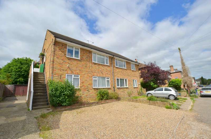 2 Bedrooms Maisonette Flat for sale in Woodley Hill, Chesham HP5