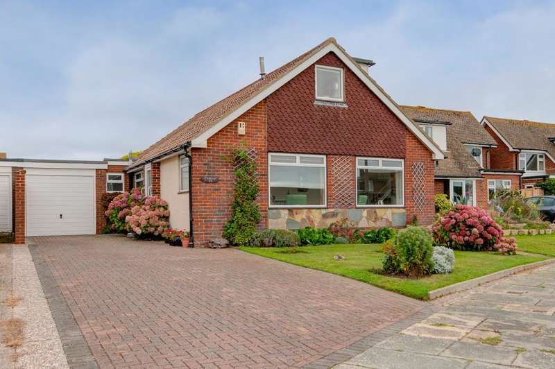 4 Bedrooms Chalet House for sale in Kingston Close, Seaford, BN25 4NF