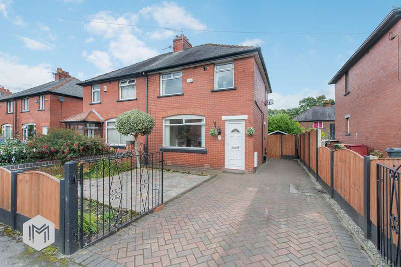 3 Bedrooms Semi Detached House for sale in St Kilda Avenue, Kearsley, Bolton, BL4