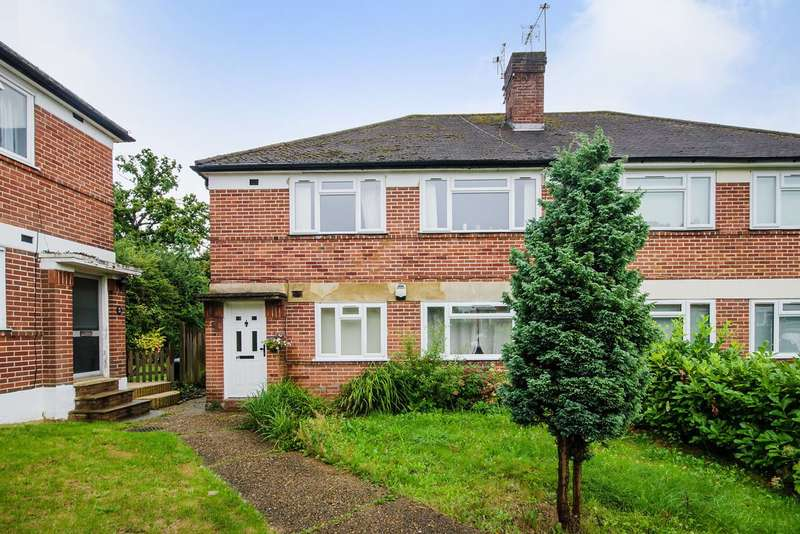 2 Bedrooms Maisonette Flat for sale in Meadway Gardens, Ruislip, HA4