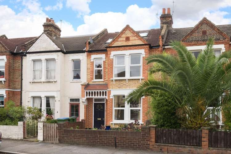 4 Bedrooms Terraced House for sale in Wyndcliff Road Charlton SE7