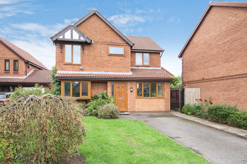 4 Bedrooms Detached House for sale in Winston Crescent, Kew, Southport