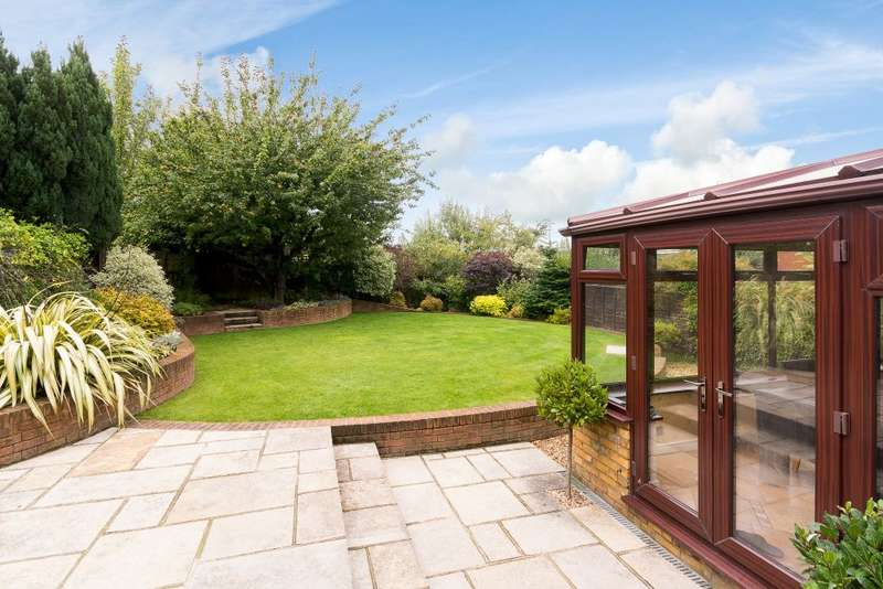 3 Bedrooms Detached House for sale in Falcon Close, Hatfield, Hertfordshire AL10
