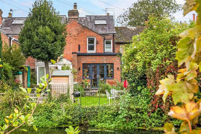 3 Bedrooms Terraced House for sale in Durngate Terrace, Winchester, Hampshire, SO23
