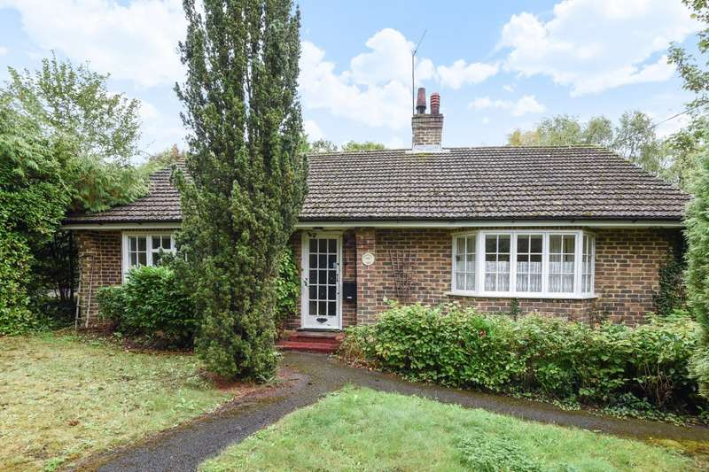 3 Bedrooms Detached Bungalow for sale in The Drive, Ifold, RH14
