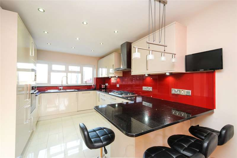 4 Bedrooms Detached House for sale in Wrenwood Way, Pinner, Middlesex, HA5
