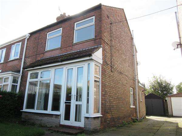 3 Bedrooms Semi Detached House for sale in St Johns Road, Scunthorpe