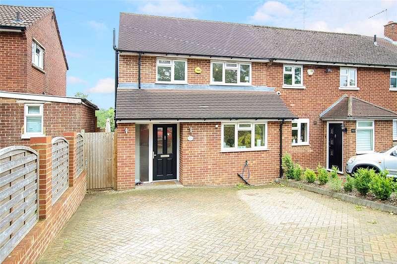 3 Bedrooms Semi Detached House for sale in Batchwood Drive, St. Albans, Hertfordshire, AL3
