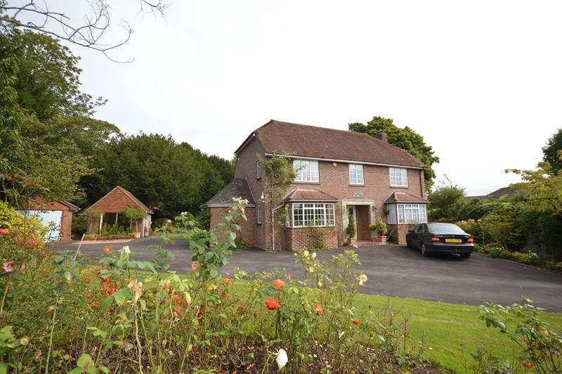 4 Bedrooms Detached House for sale in Fairfield Close, Lymington