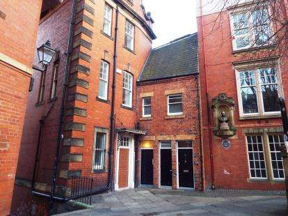 2 Bedrooms Flat for sale in Dean Street, Newcastle Upon Tyne, Tyne and Wear, NE1