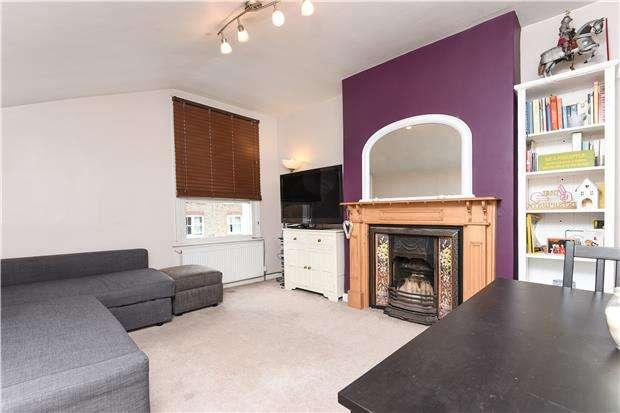 2 Bedrooms Flat for sale in Kingscourt Road, LONDON, SW16 1JA