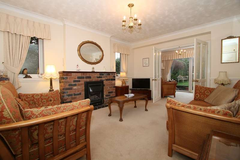 4 Bedrooms Detached Bungalow for sale in Chapel Street, Hagley, Stourbridge, DY9