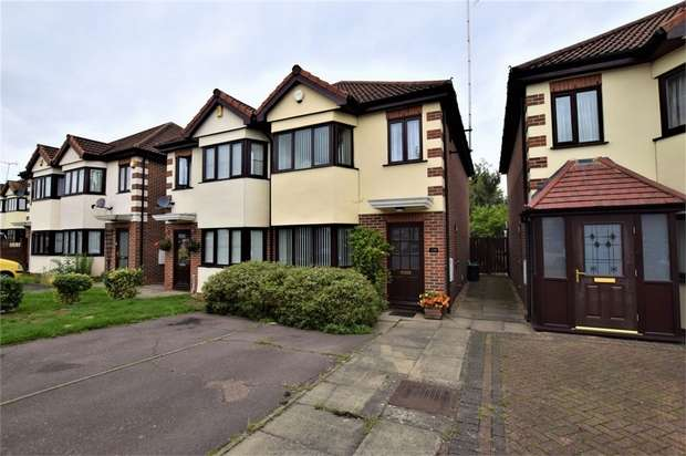 3 Bedrooms Semi Detached House for sale in Elmcroft Avenue, Wanstead, London