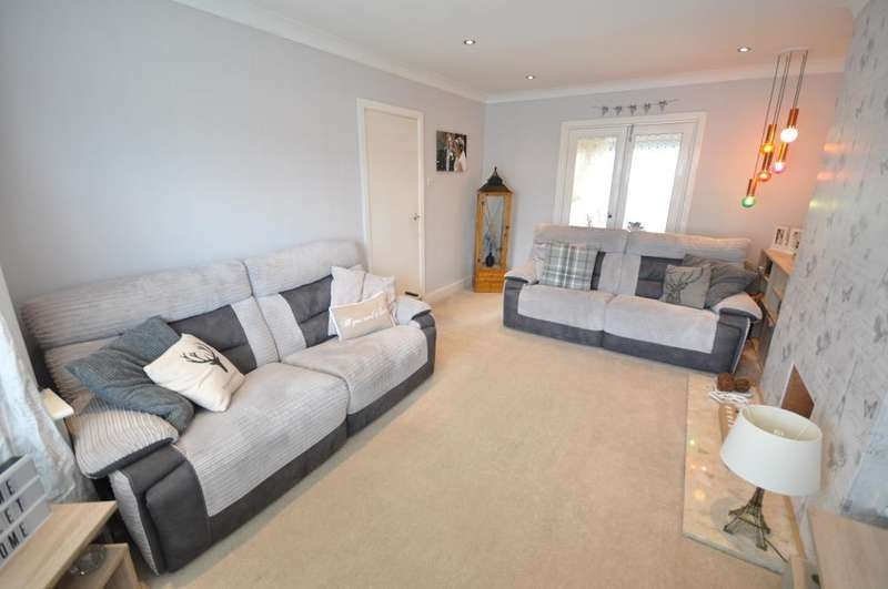 3 Bedrooms Semi Detached House for sale in Beechwood Avenue, Fulwood, Preston, Lancashire, PR2 3SE