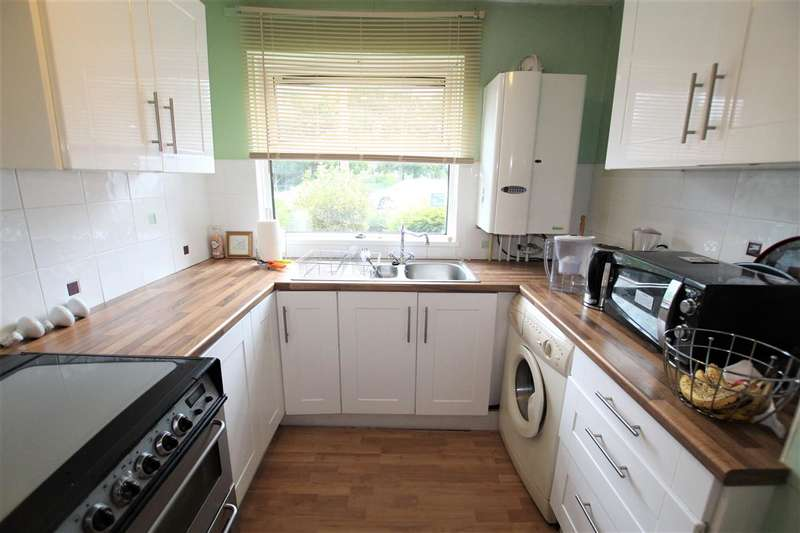 2 Bedrooms Apartment Flat for sale in Alder Close, Leyland