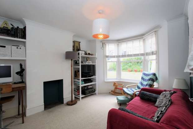 1 Bedroom Apartment Flat for sale in Hythe Road Brighton