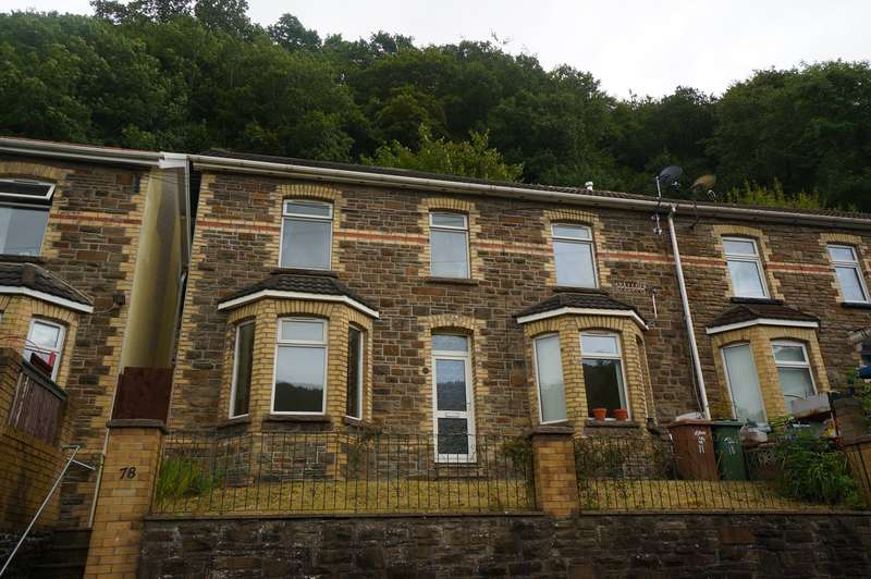 3 Bedrooms Semi Detached House for sale in Commercial Road, Abercarn, Newport, NP11