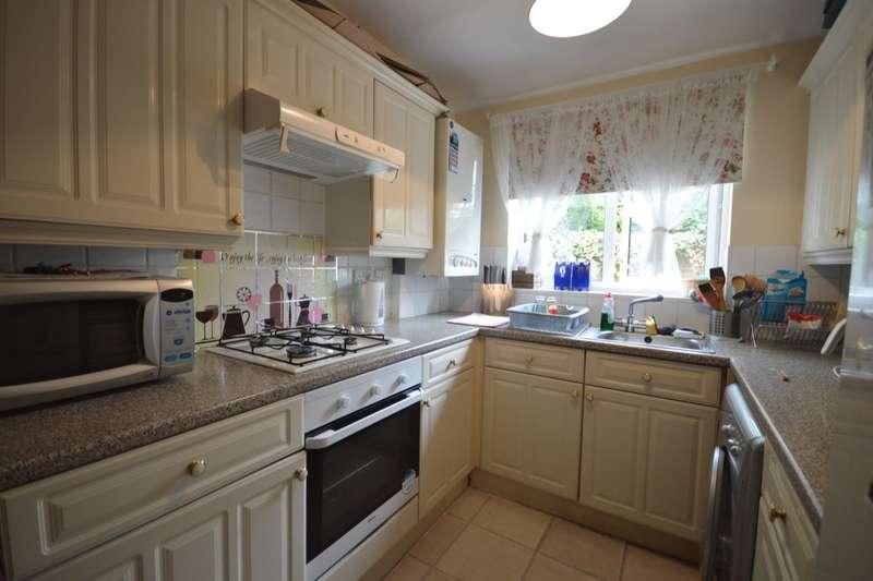 2 Bedrooms Semi Detached House for sale in Westview Gardens, Andover, SP10