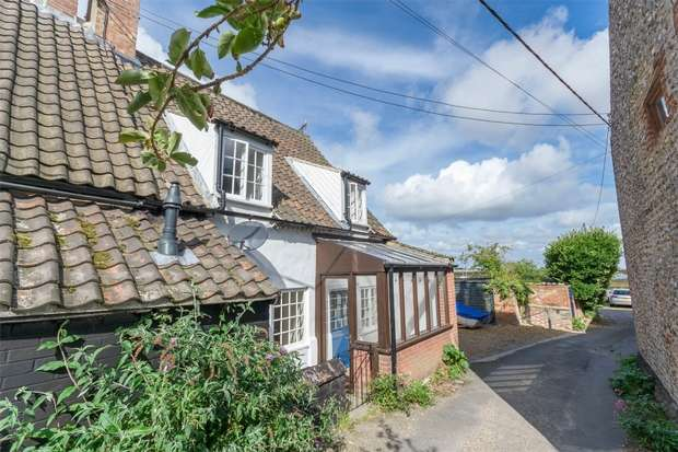 3 Bedrooms Semi Detached House for sale in Wanderers, Wells-next-the-Sea